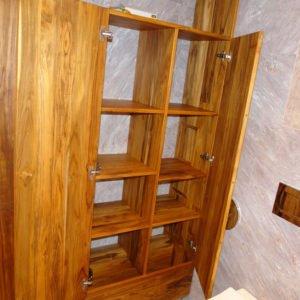 тик открытый шкаф ванная