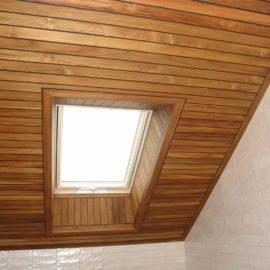 потолок и окно доска тик