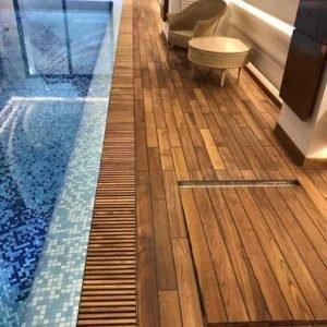 басейн полы сделаны тиком